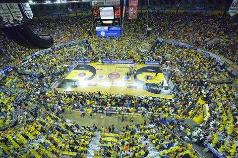 12.000 espectadores en el Petaca Iguina (Foto: Prensa BSN)