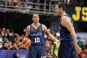 Alex García y Murilo Becker (Foto: FIBA)