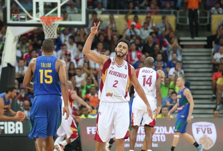 Dwight Lewis (Foto: FIBA)