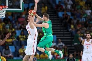 Pau Gasol y Marcelinho Huertas (Foto: FIBA)
