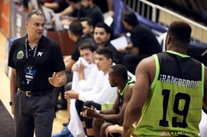 Hernán Giraldo y Kentrell Gransberry (Foto: FIBA)