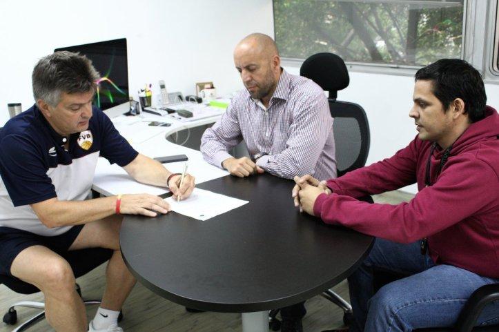 Fernando Duró Contrato Renovación 1